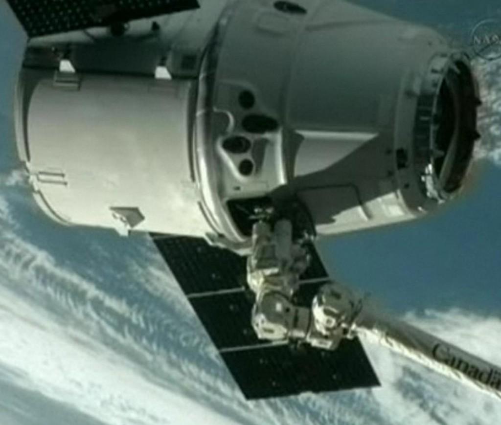 aankoppelen dragon aan ISS