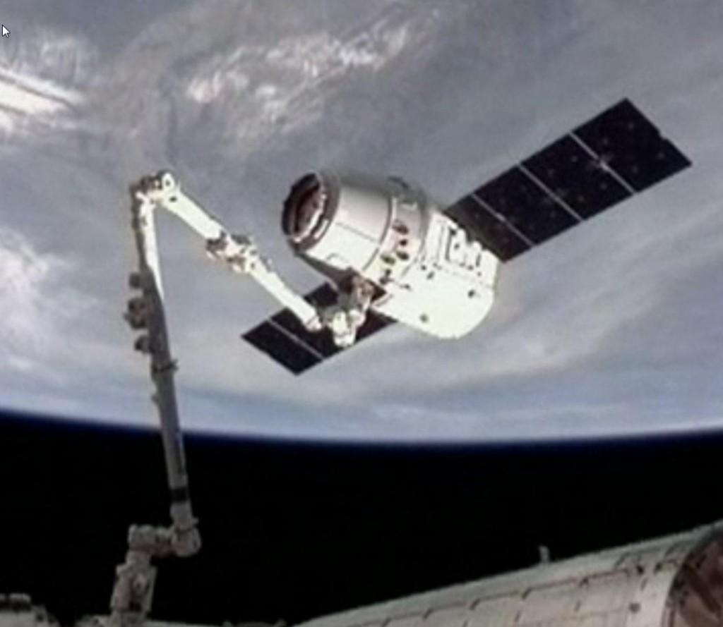 aankoppelen dragon aan ISS 2